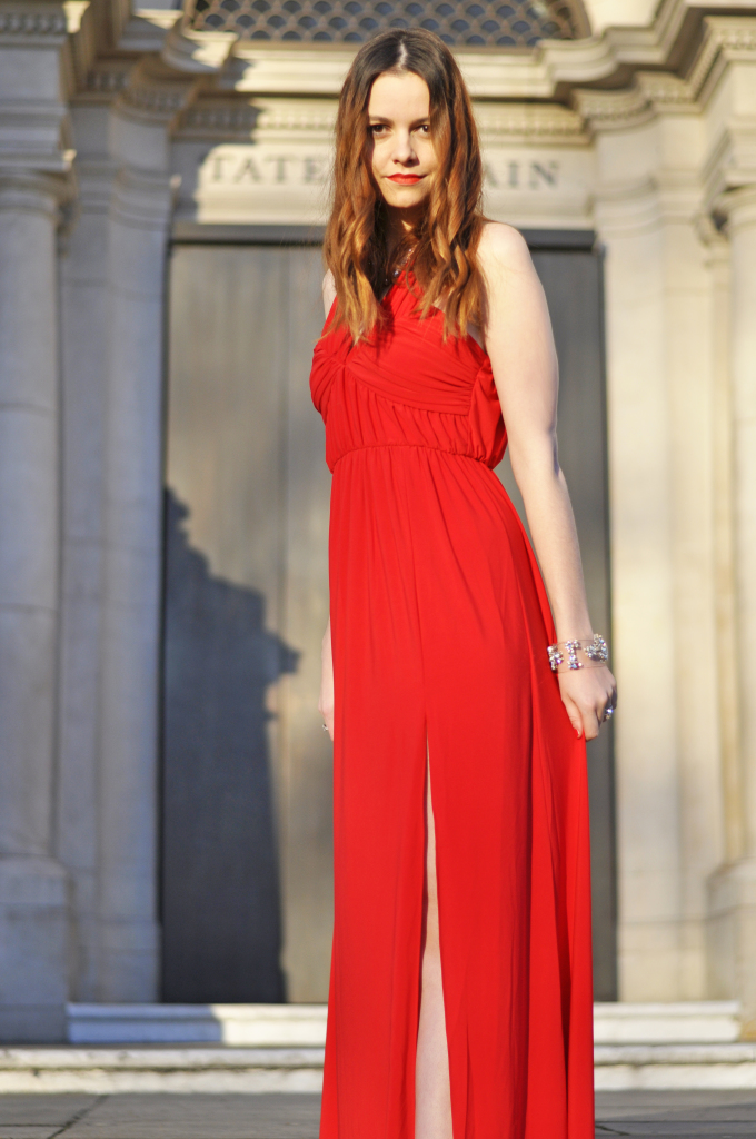 Christmas_asos_red_dress