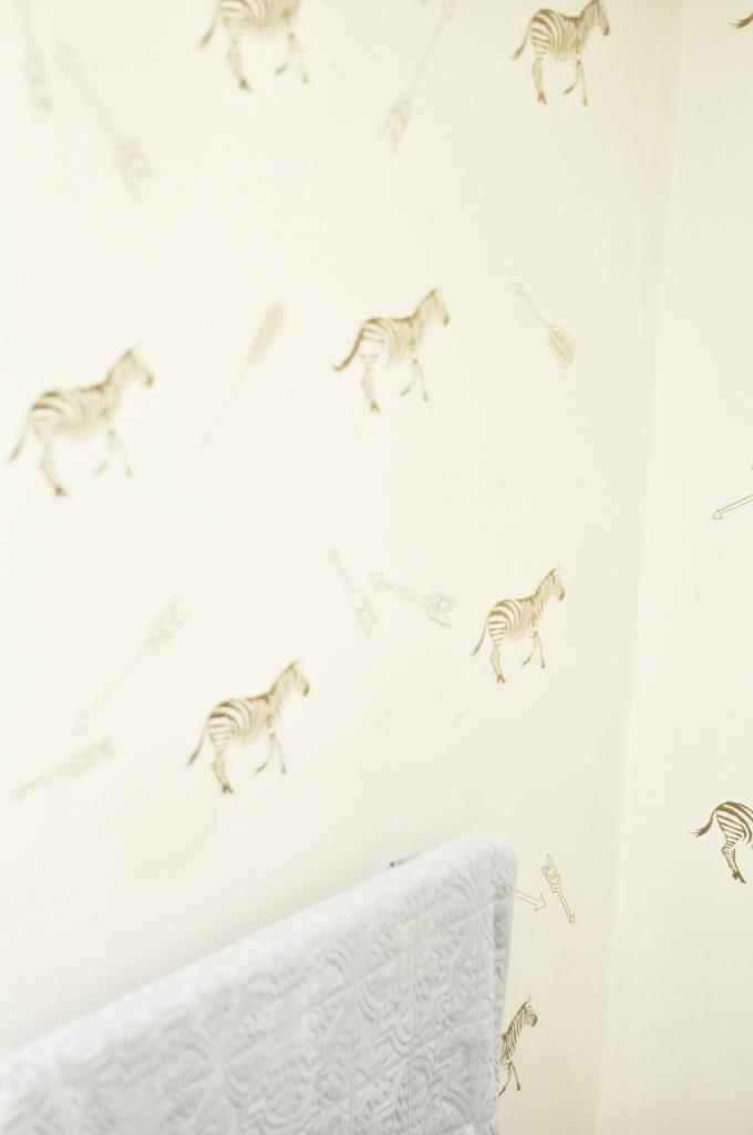 bathroom_decorations_kate_spade_style