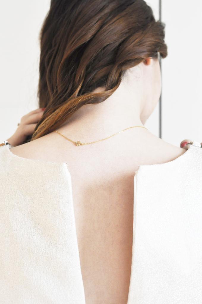 golden_dress_back